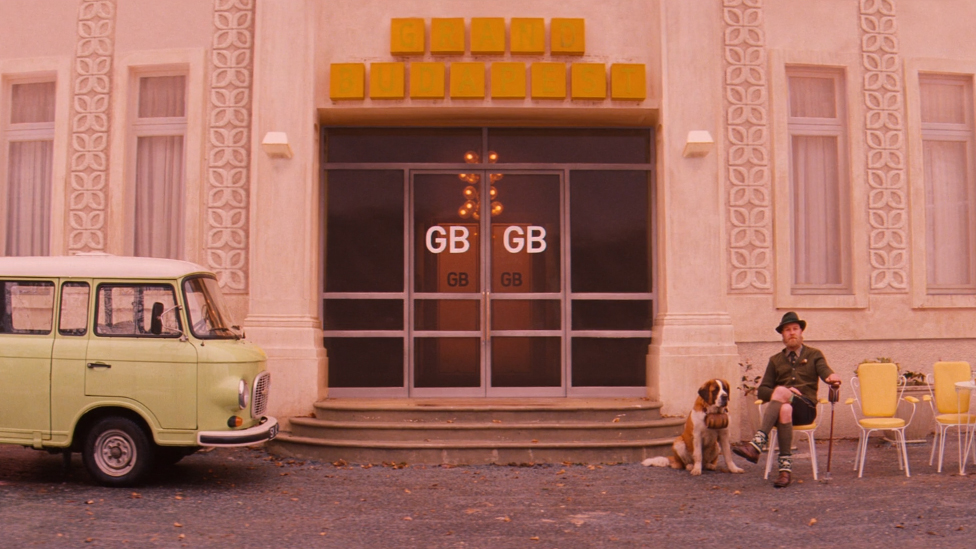 """Frame from the movie """"The Grand Budapest Hotel"""" (2014) from Wes Anderson - Things no one taugh us about composition and framing #1"""